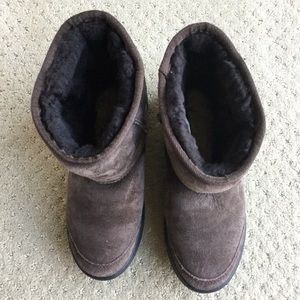 UGG Shoes - Used UGG kid's Ultimate short boots